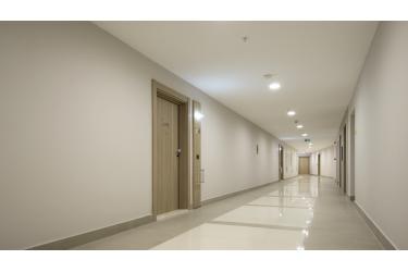 Buvimo jutikliai koridoriams